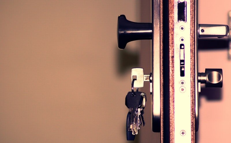 What to Do Until Your Locksmith Arrives